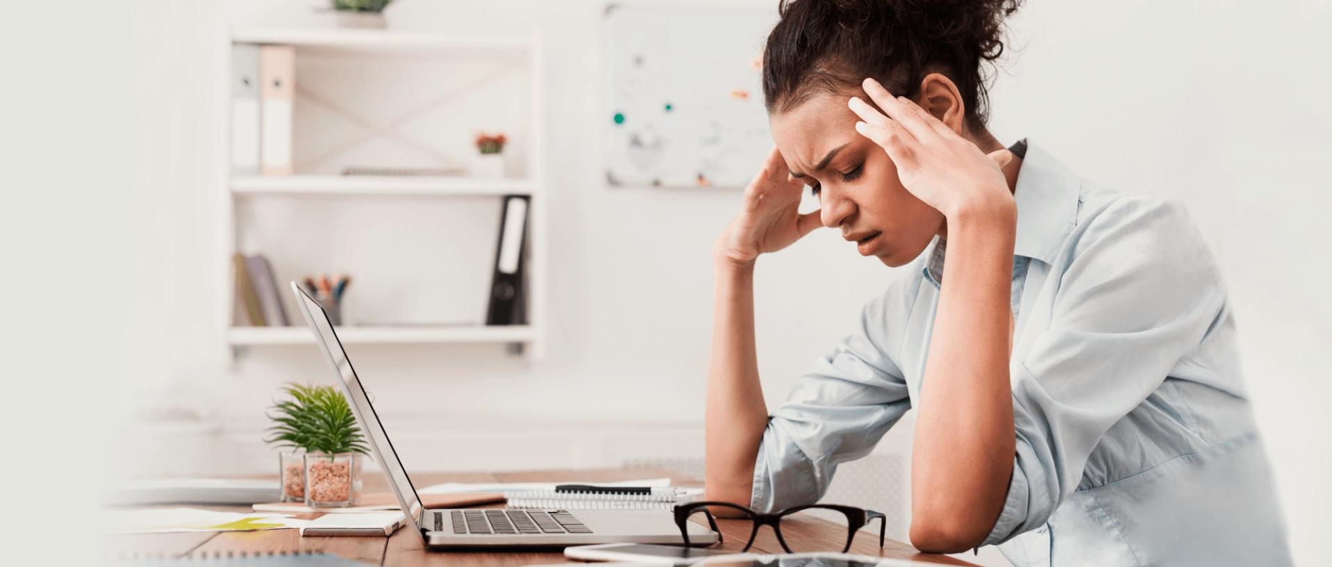 Dores de cabeça e a Síndrome de Irlen: desafios na vida profissional